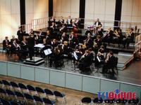 Orchesterzimmer_tribuehne