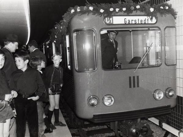 Eroeffnungsfahrt U Bahn Garstedt_1969