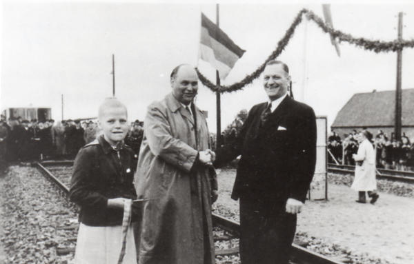 ANB Eroeffnungsfeier Friedrichsgabe Dorf_1953_05_13